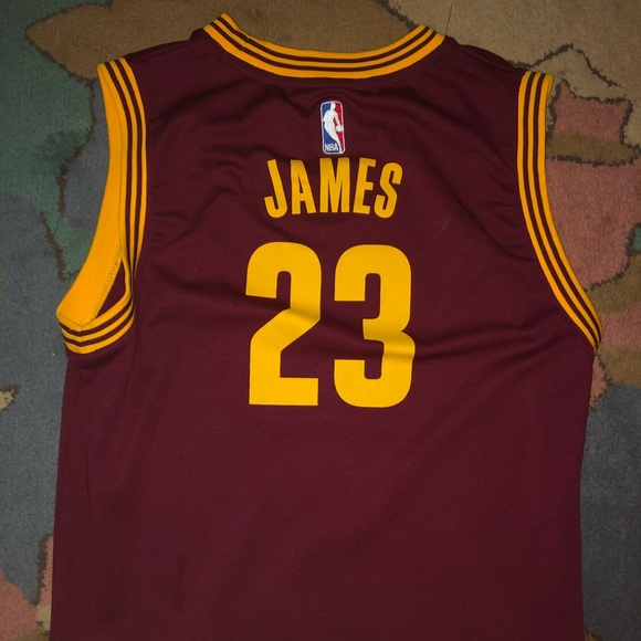 sports shoes a9c00 372a0 Lebron James #23 Cavaliers Jersey Size L Youth